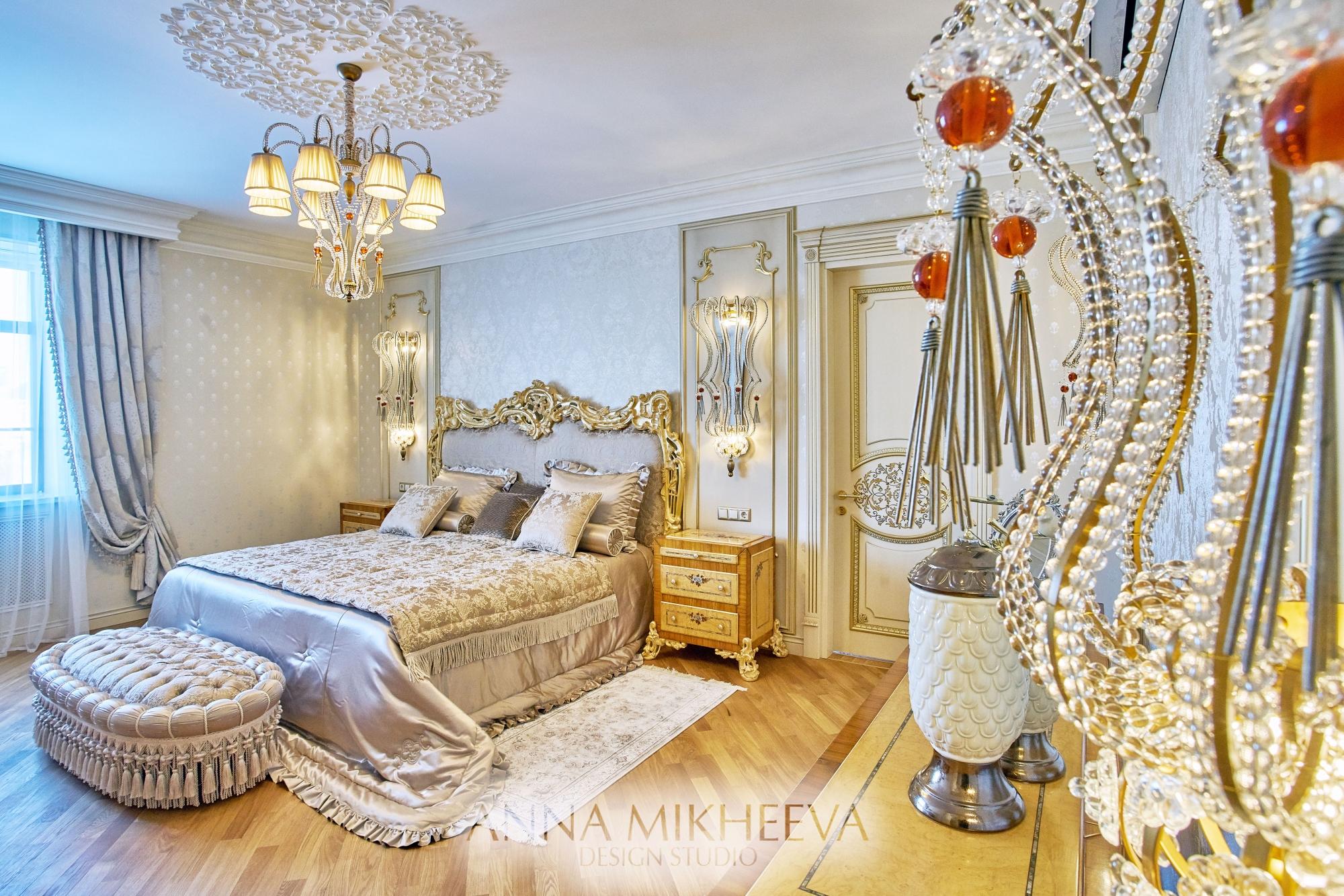Интерьер спальни в классическом стиле. В Астане. Фото.